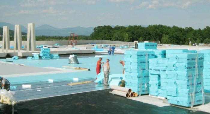 izolacija ravne strehe s ploščami