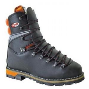 Gozdarski čevlji in zaščitna oprema